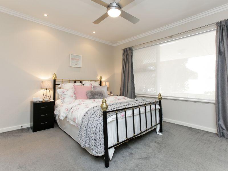 https://propertyphotos.vaultre.com.au/835/762026__reaimport-1568684928-347483-29149.jpg