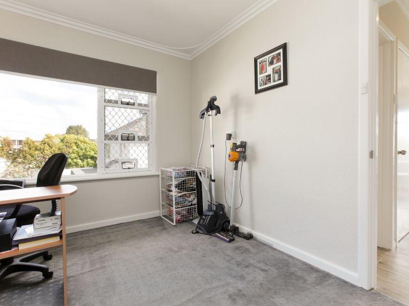 https://propertyphotos.vaultre.com.au/835/762027__reaimport-1568684928-347483-29149.jpg