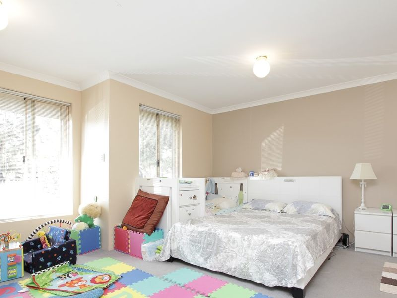 https://propertyphotos.vaultre.com.au/835/762036__reaimport-1568684931-347484-29150.jpg