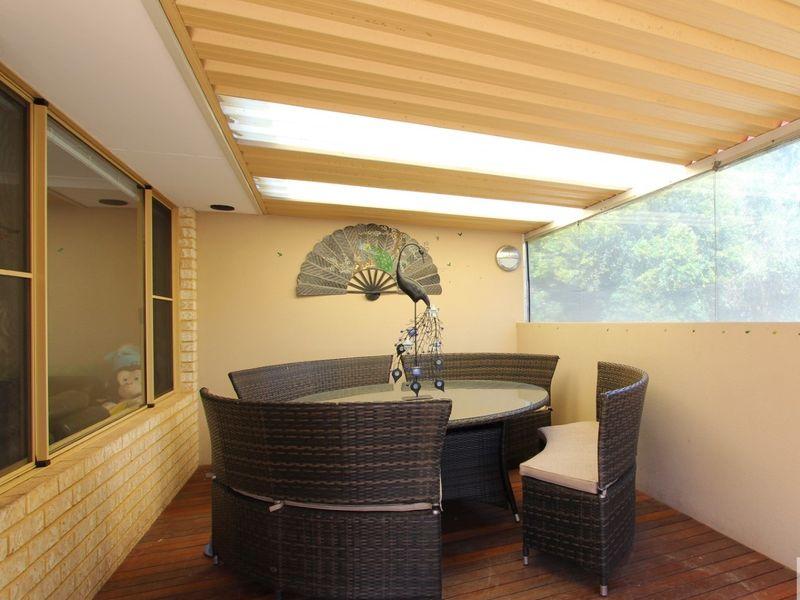 https://propertyphotos.vaultre.com.au/835/762040__reaimport-1568684932-347484-29150.jpg