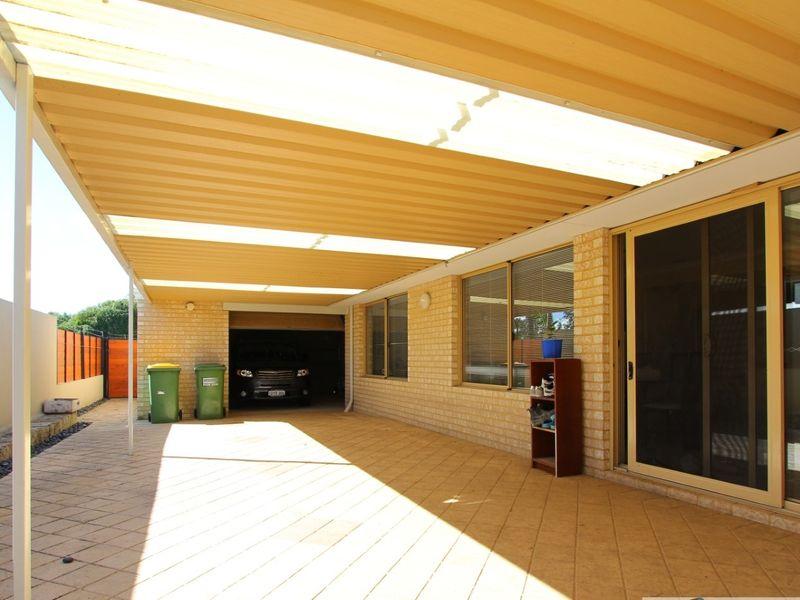 https://propertyphotos.vaultre.com.au/835/762041__reaimport-1568684933-347484-29150.jpg