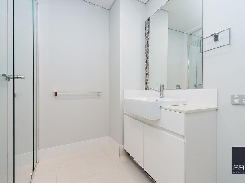 https://propertyphotos.vaultre.com.au/835/762052__reaimport-1568684937-347485-29151.jpg