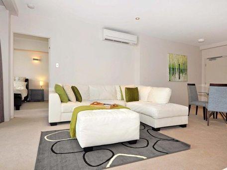 https://propertyphotos.vaultre.com.au/835/762109__reaimport-1568684954-347489-29155.jpg