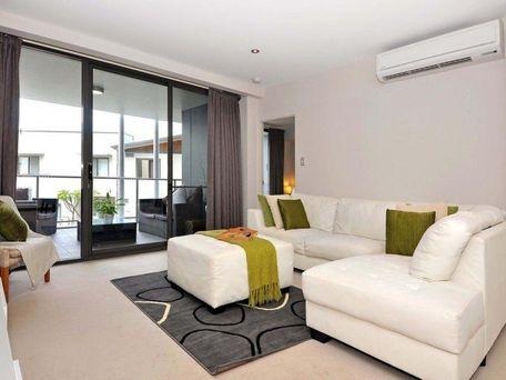 https://propertyphotos.vaultre.com.au/835/762110__reaimport-1568684955-347489-29155.jpg