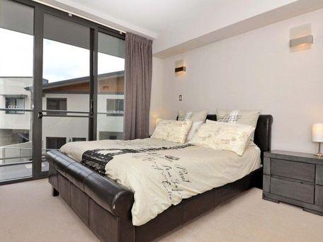 https://propertyphotos.vaultre.com.au/835/762111__reaimport-1568684955-347489-29155.jpg