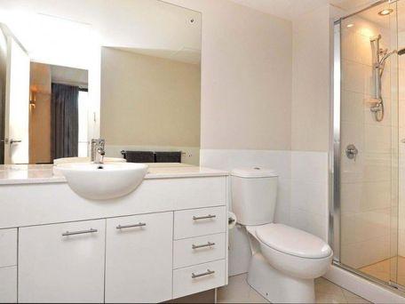 https://propertyphotos.vaultre.com.au/835/762112__reaimport-1568684955-347489-29155.jpg