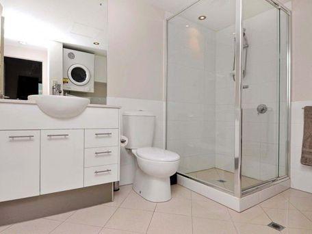 https://propertyphotos.vaultre.com.au/835/762113__reaimport-1568684955-347489-29155.jpg