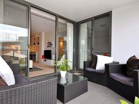 https://propertyphotos.vaultre.com.au/835/762115__reaimport-1568684955-347489-29155.jpg