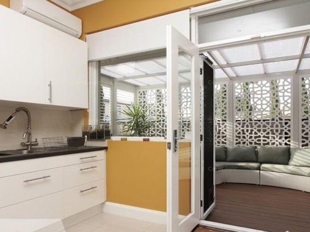 https://propertyphotos.vaultre.com.au/835/762245__reaimport-1568684996-347501-29167.jpg