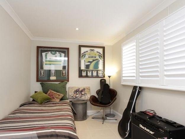 https://propertyphotos.vaultre.com.au/835/762250__reaimport-1568684997-347501-29167.jpg