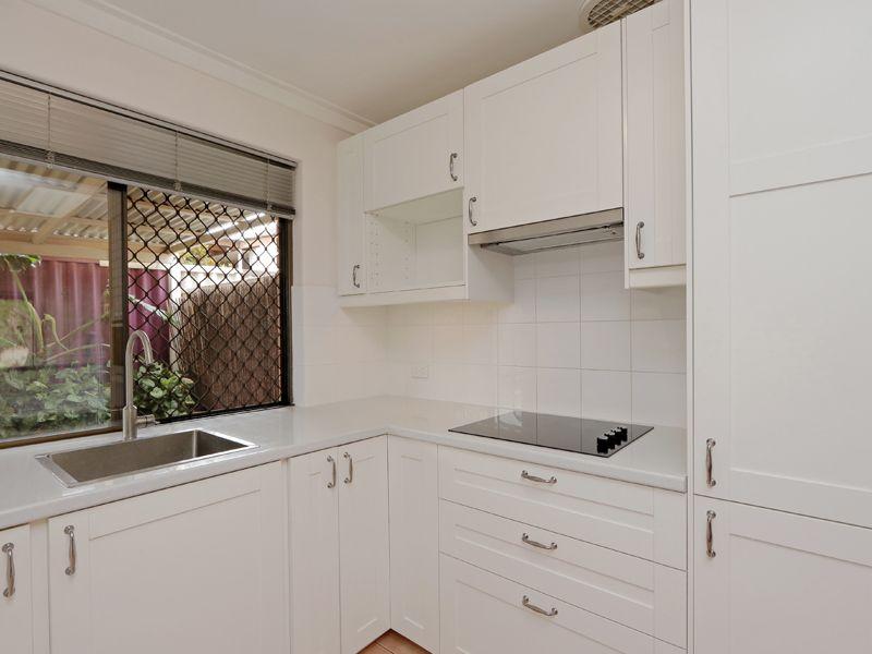 https://propertyphotos.vaultre.com.au/835/762313__reaimport-1568685018-347506-29172.jpg