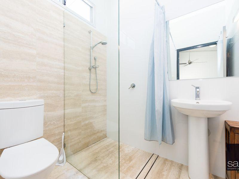 https://propertyphotos.vaultre.com.au/835/762338__reaimport-1568685026-347507-29173.jpg