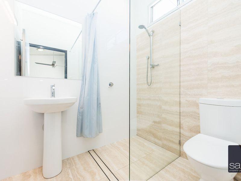 https://propertyphotos.vaultre.com.au/835/762341__reaimport-1568685027-347507-29173.jpg