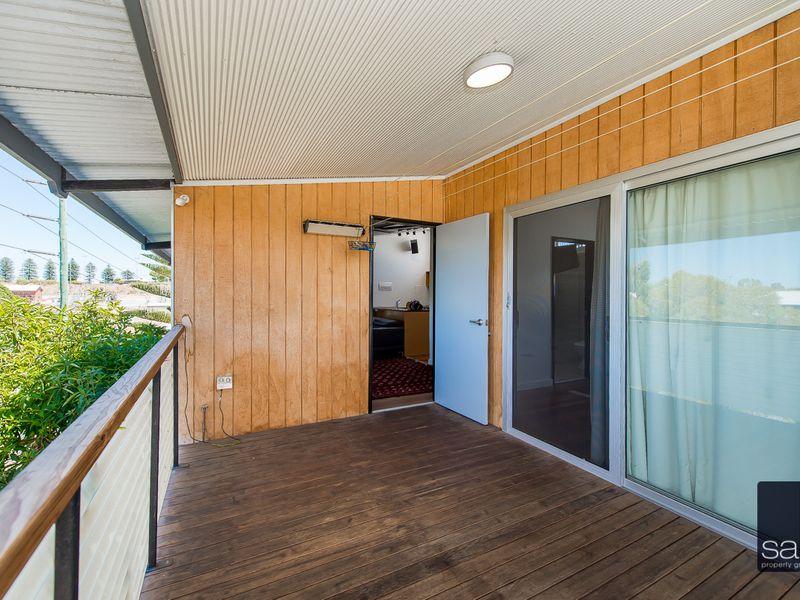 https://propertyphotos.vaultre.com.au/835/762343__reaimport-1568685028-347507-29173.jpg