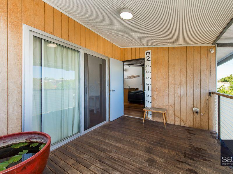 https://propertyphotos.vaultre.com.au/835/762345__reaimport-1568685028-347507-29173.jpg