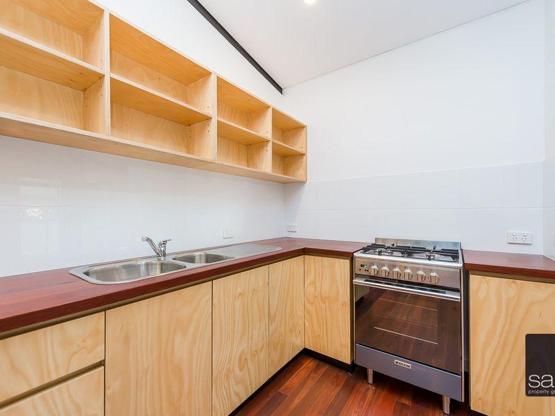 https://propertyphotos.vaultre.com.au/835/762348__reaimport-1568685029-347508-29174.jpg