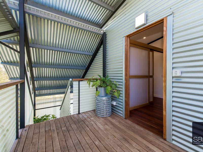 https://propertyphotos.vaultre.com.au/835/762350__reaimport-1568685030-347508-29174.jpg