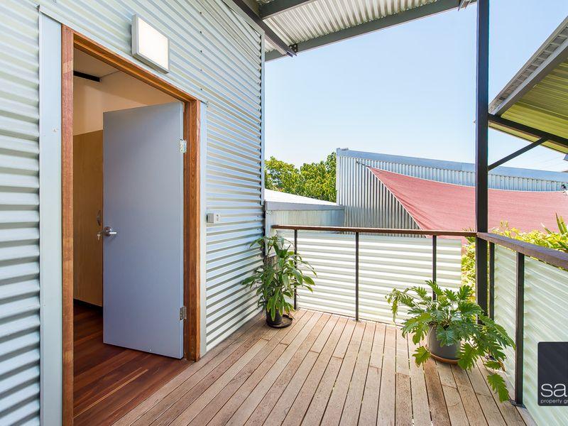 https://propertyphotos.vaultre.com.au/835/762351__reaimport-1568685031-347508-29174.jpg