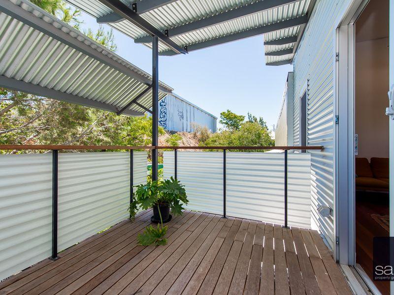 https://propertyphotos.vaultre.com.au/835/762352__reaimport-1568685031-347508-29174.jpg