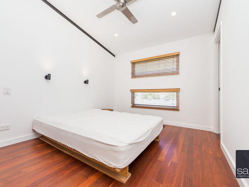 https://propertyphotos.vaultre.com.au/835/762354__reaimport-1568685032-347508-29174.jpg