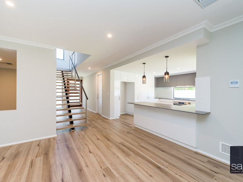 https://propertyphotos.vaultre.com.au/835/762358__reaimport-1568685033-347509-29175.jpg