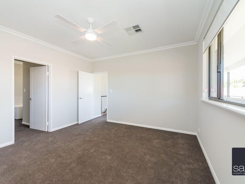 https://propertyphotos.vaultre.com.au/835/762364__reaimport-1568685035-347509-29175.jpg