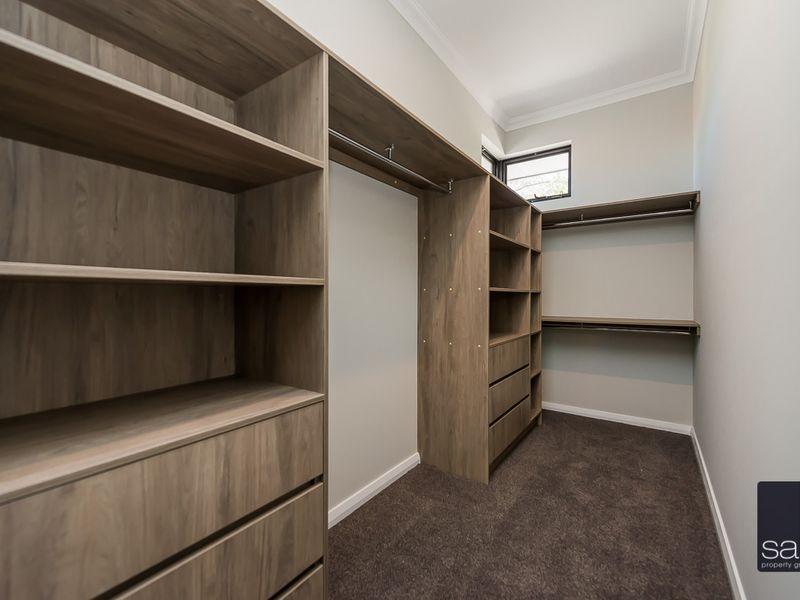 https://propertyphotos.vaultre.com.au/835/762366__reaimport-1568685036-347509-29175.jpg