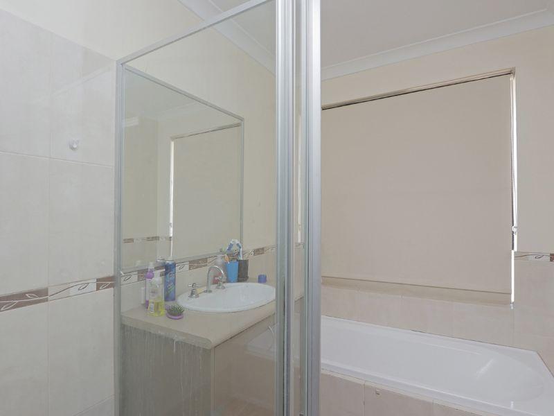 https://propertyphotos.vaultre.com.au/835/762378__reaimport-1568685040-347510-29176.jpg