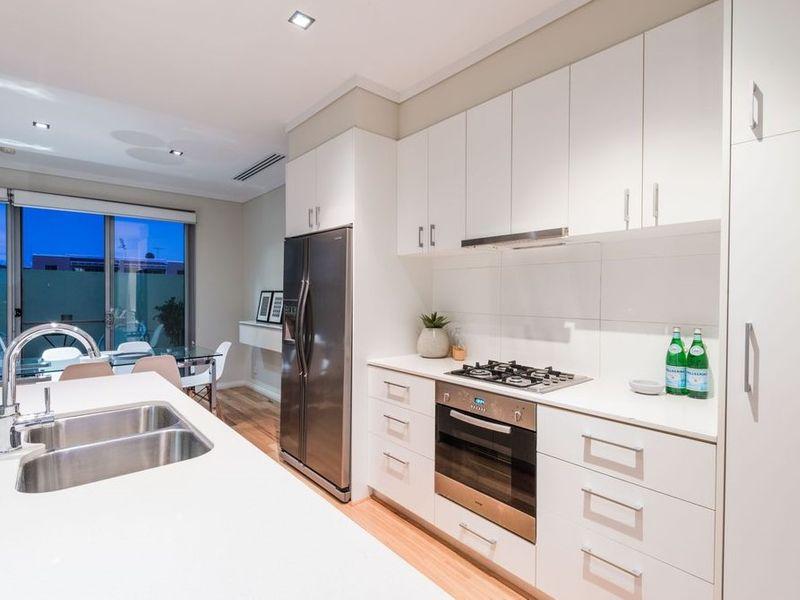 https://propertyphotos.vaultre.com.au/835/762534__reaimport-1568685089-347522-29188.jpg