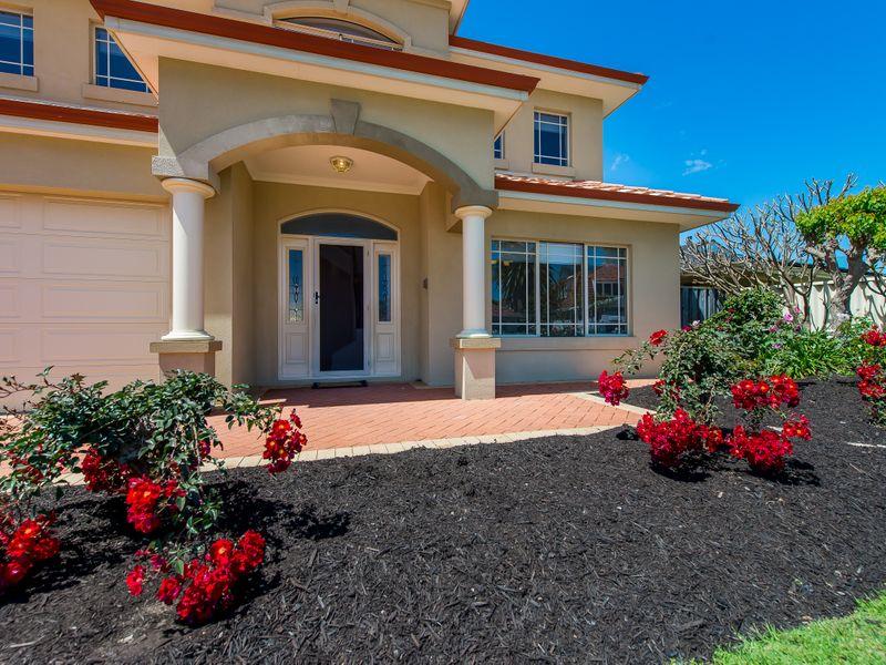 https://propertyphotos.vaultre.com.au/835/762581__reaimport-1568685105-347527-29193.jpg