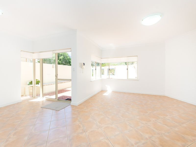 https://propertyphotos.vaultre.com.au/835/762586__reaimport-1568685108-347527-29193.jpg