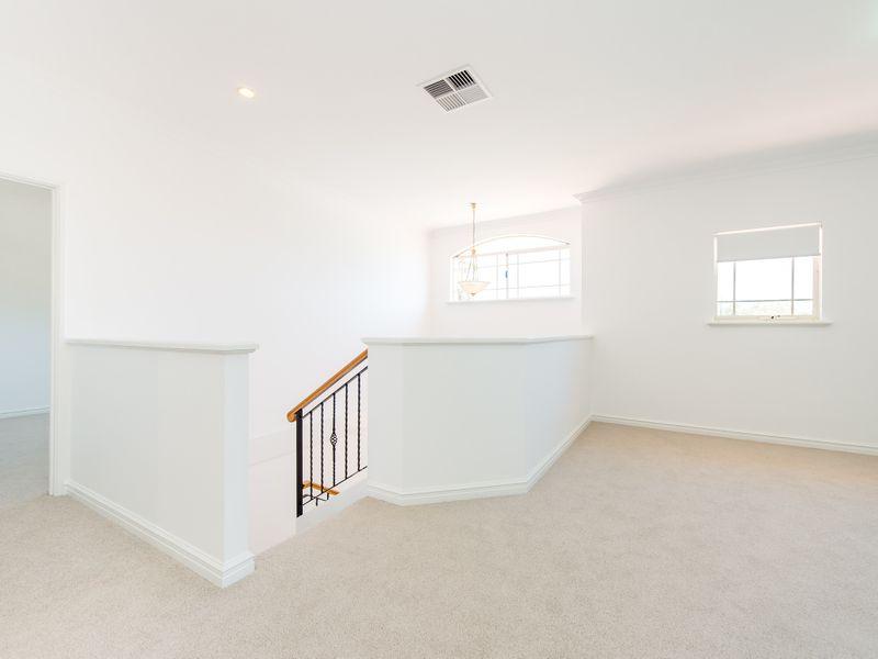 https://propertyphotos.vaultre.com.au/835/762590__reaimport-1568685110-347527-29193.jpg