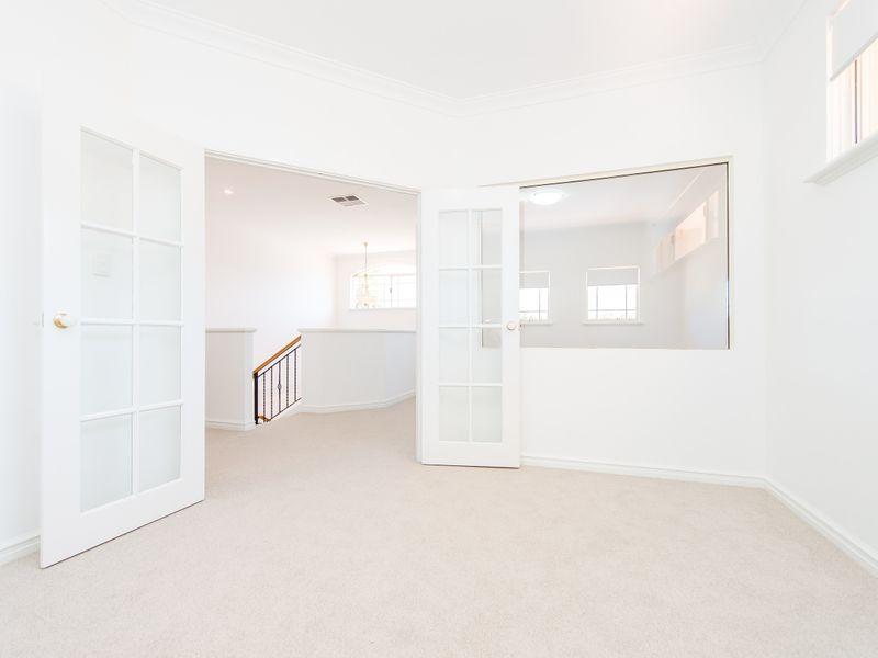 https://propertyphotos.vaultre.com.au/835/762592__reaimport-1568685110-347527-29193.jpg