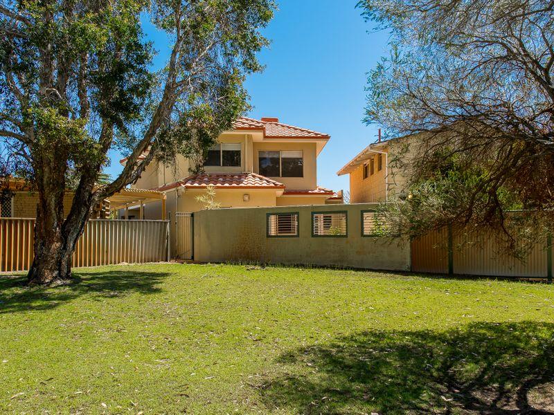 https://propertyphotos.vaultre.com.au/835/762597__reaimport-1568685113-347527-29193.jpg