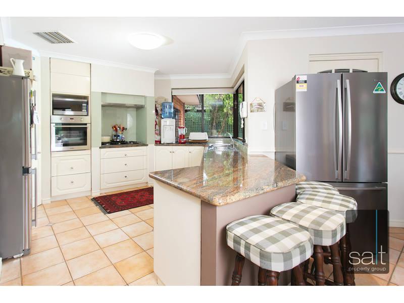 https://propertyphotos.vaultre.com.au/835/762606__reaimport-1568685116-347530-29196.jpg