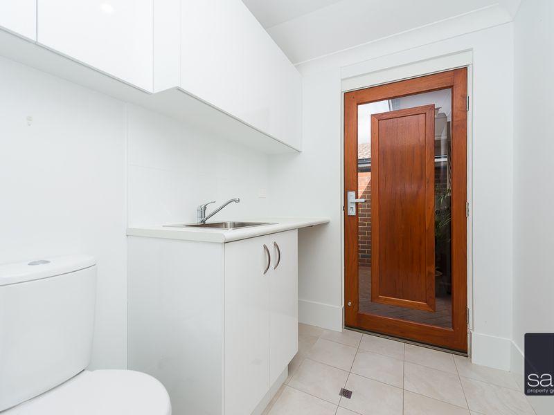 https://propertyphotos.vaultre.com.au/835/762905__reaimport-1568685216-347552-29218.jpg