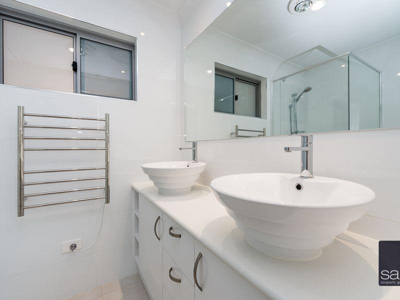 https://propertyphotos.vaultre.com.au/835/762907__reaimport-1568685217-347552-29218.jpg