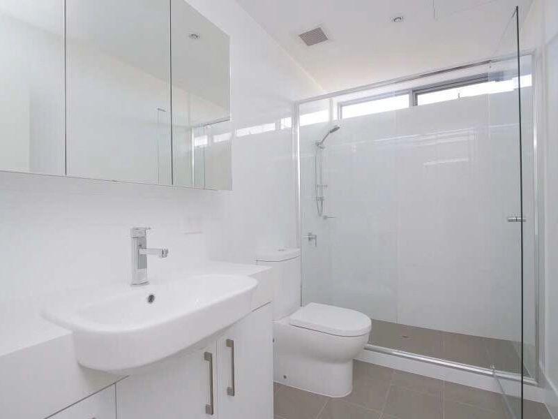 https://propertyphotos.vaultre.com.au/835/762962__reaimport-1568685237-347555-29221.jpg