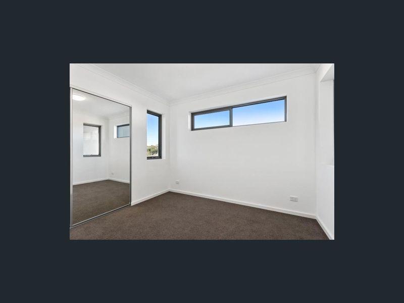 https://propertyphotos.vaultre.com.au/835/762964__reaimport-1568685237-347555-29221.jpg