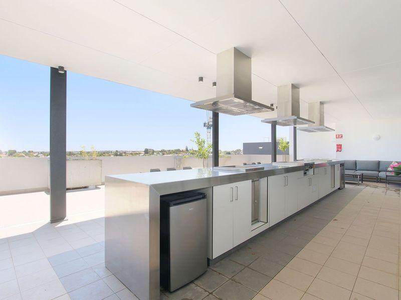 https://propertyphotos.vaultre.com.au/835/762969__reaimport-1568685239-347555-29221.jpg
