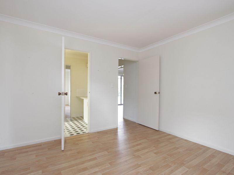 https://propertyphotos.vaultre.com.au/835/765784__reaimport-1568685968-347888-29552.jpg