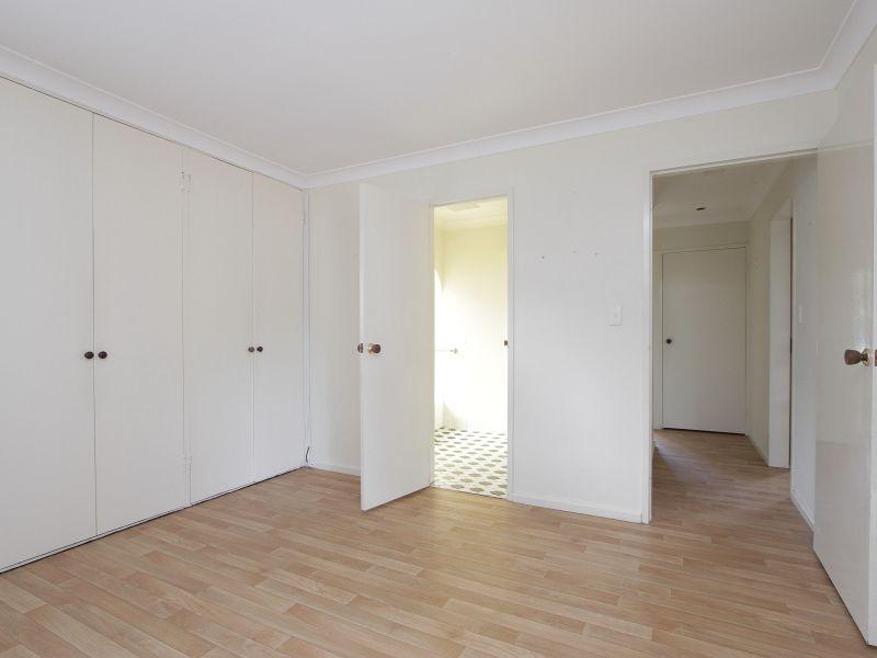 https://propertyphotos.vaultre.com.au/835/765785__reaimport-1568685969-347888-29552.jpg