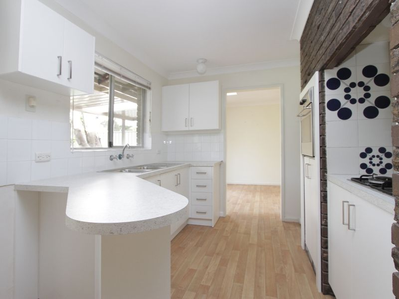https://propertyphotos.vaultre.com.au/835/765796__reaimport-1568685972-347888-29552.jpg