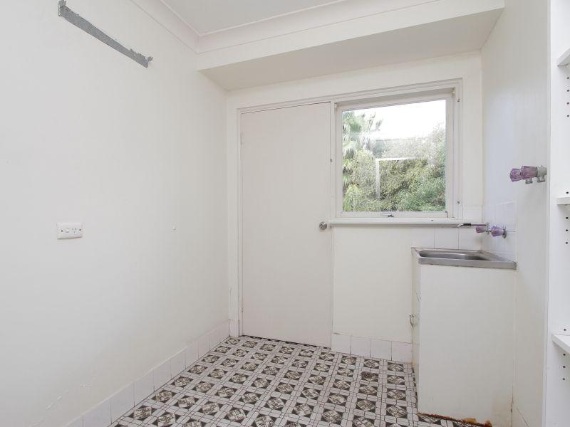 https://propertyphotos.vaultre.com.au/835/765801__reaimport-1568685973-347888-29552.jpg