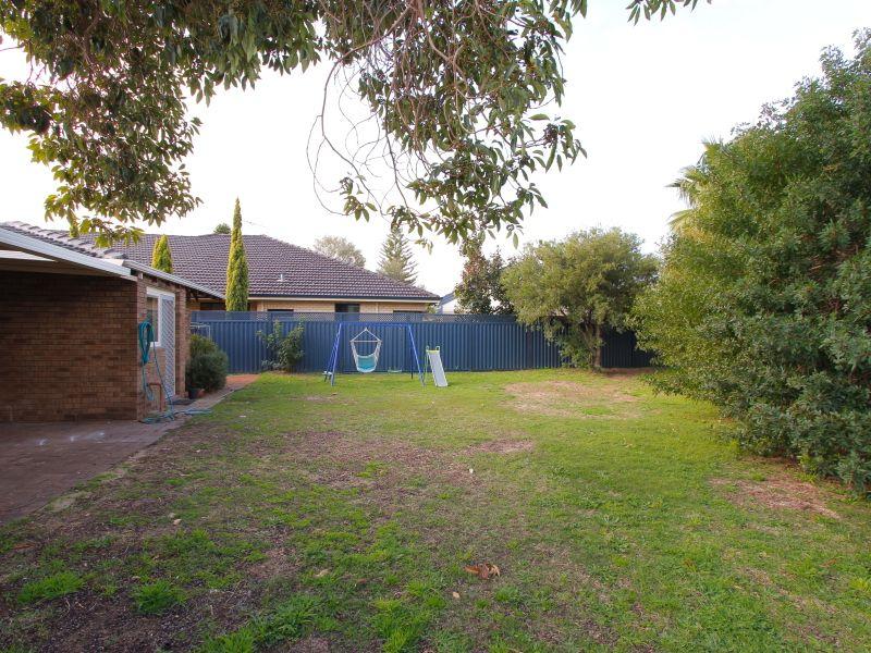 https://propertyphotos.vaultre.com.au/835/765805__reaimport-1568685975-347888-29552.jpg