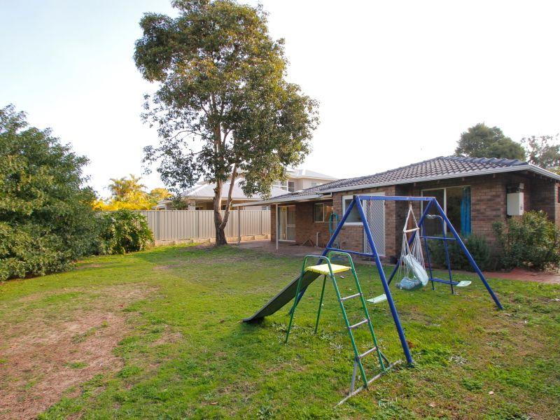 https://propertyphotos.vaultre.com.au/835/765807__reaimport-1568685976-347888-29552.jpg