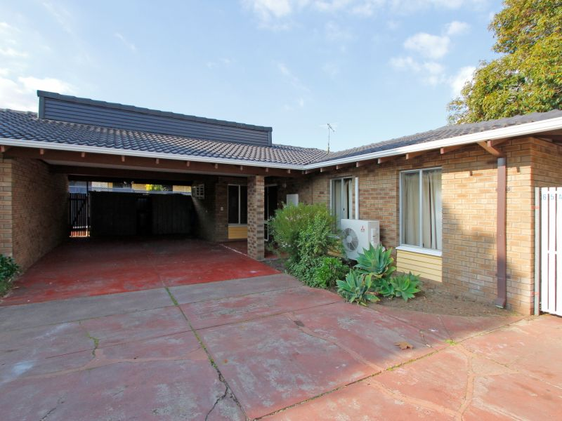 https://propertyphotos.vaultre.com.au/835/765810__reaimport-1568685977-347888-29552.jpg
