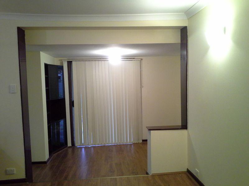 https://propertyphotos.vaultre.com.au/835/765865__reaimport-1568685992-347892-29556.jpg