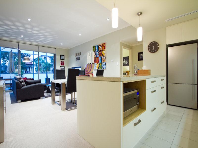 https://propertyphotos.vaultre.com.au/835/766339__reaimport-1568686125-347931-29595.jpg