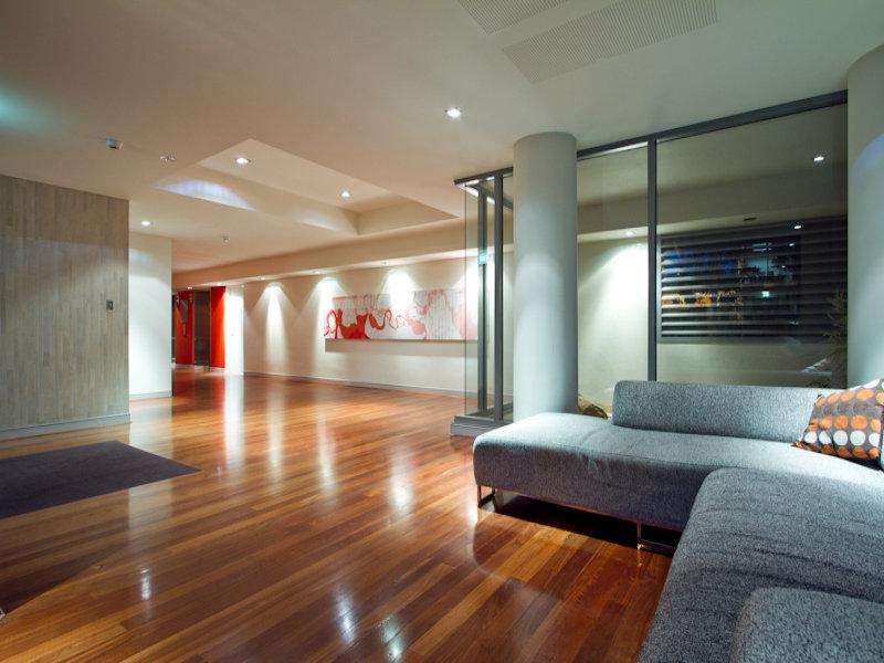 https://propertyphotos.vaultre.com.au/835/766344__reaimport-1568686126-347931-29595.jpg